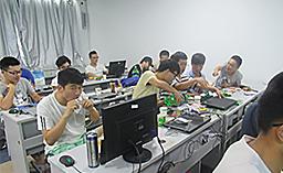 华清远见嵌入式学员活动