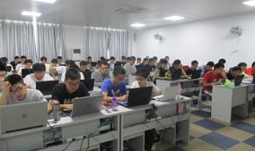 上海VR培训中心的学习环境